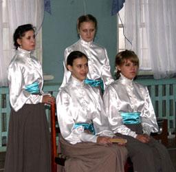 Гимназистки Вятской Мариинской женской гимназии